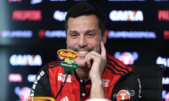 Júlio César deve ser apresentado pelo Flamengo nesta semana