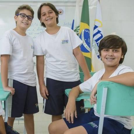 Alertas. Pedro Rodrigues (à esquerda), Guilherme Gonçalves, Victor Rodrigues e Felipe Batista fazem parte da primeira turma do projeto Foto: FABIO CORDEIRO / Fábio cordeiro