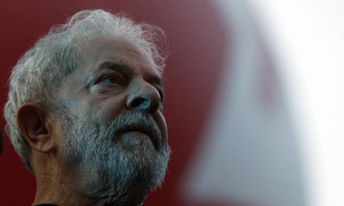 Defesa pede ao STJ para impedir prisão de Lula