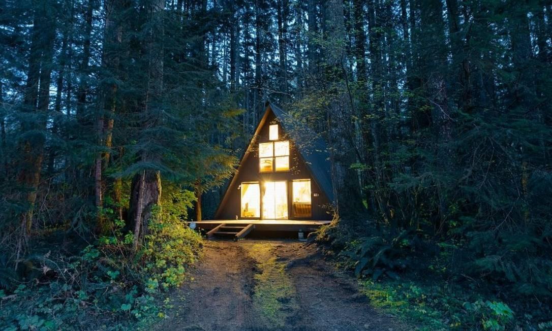A foto mais curtida em 2017 de uma residência do Airbnb foi feita na cabana Tye Haus, em Skykomish, em Washington, nos EUA. A bela casa dos anfitriões Tom e Paige está a poucos minutos da famosa estação de esqui Stevens Pass Ski Resort Foto: @mr.vanholt