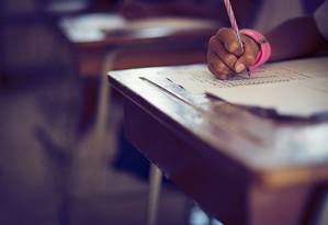 Boa parte dos docentes também não têm formação adequada à disciplina que lecionam Foto: shutterstock