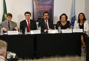 Representantes de associações de magistrados e do Ministério Público durante coletiva em Brasília. Foto: Givaldo Barbosa / Agência O Globo