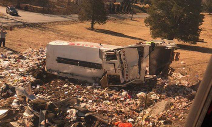 Trem com senadores republicanos bate em caminhão nos EUA