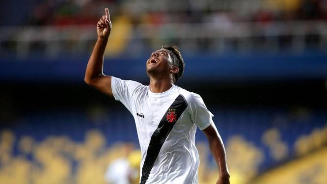 Evander marcou os dois primeiros gols do Vasco sobre o Universidad de Concepción Foto: JAVIER TORRES / AFP