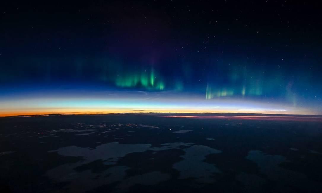 Aurora Boreal com suas cores vibrantes e o brilho do sol sobre o Canadá Foto: Christiaan van Heijst para o cnntravel.com