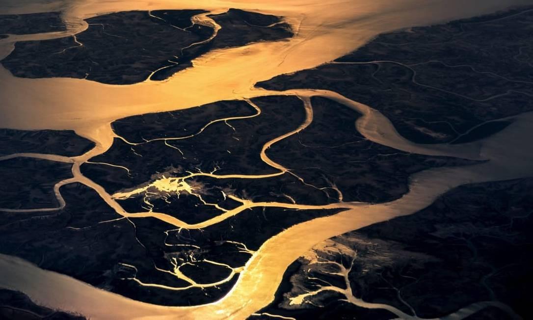 O reflexo da luz solar sobre rios do Paquistão Foto: Christiaan van Heijst para o cnntravel.com