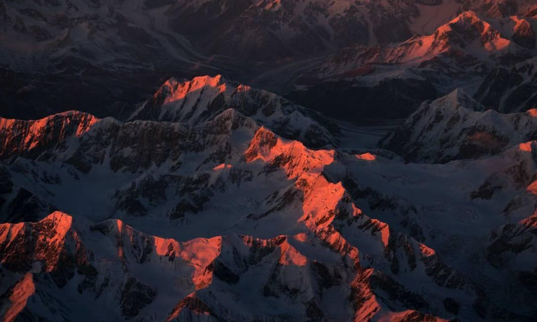 Pôr do sol sobre as montanhas do Himalaya Foto: Christiaan van Heijst para o cnntravel.com