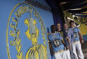 Time de compositores. Jurandir, Claudio Russo, Moacyr Luz e Anibal Fabiano participaram da autoria do samba-enredo da Paraíso do Tuiuti Foto: Luiz Ackermann / Agência O Globo