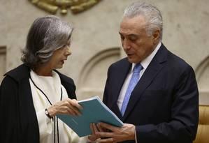 O presidente Michel Temer e a ministra Cármen Lúcia, na sessão de abertura do ano judiciário Foto: Jorge William / Agência O Globo