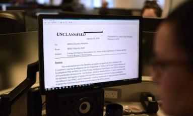 Documento controverso de republicanos foi elaborado por Comissão presidida por aliado de Trump e gerou críticas e acusações de politização Foto: ERIC BARADAT / AFP