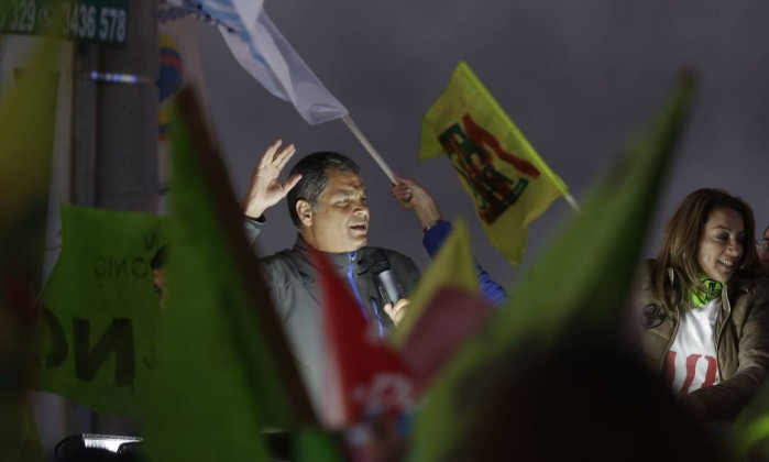 Equador põe fim à