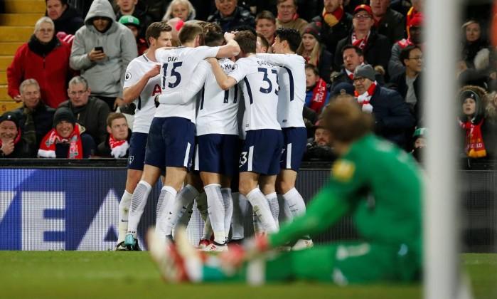 Em jogo emocionante, Liverpool e Tottenham ficam no 2 a 2