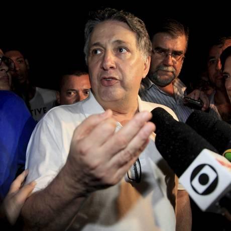 O ex-governador Anthony Garotinho deixa o complexo prisional de Bangu Foto: Uanderson Fernandes / Agência O Globo