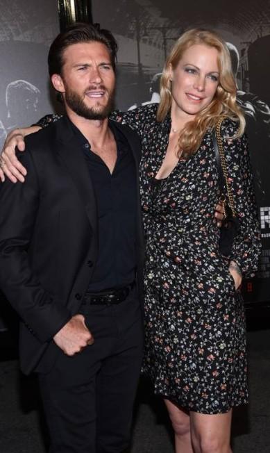Alison Eastwood tem 45 anos, é designer e atriz. Scott, que é meio-irmão de Alison e tem 31 anos, também seguiu os passos do pai CHRIS DELMAS / AFP