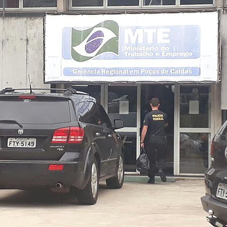 Policiais federais cumprem mandados da Operação Canaã em São Paulo, Minas Gerais e Bahia Foto: Reprodução/EPTV