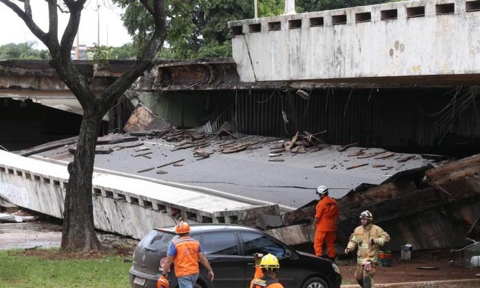 Resultado de imagem para VIADUTO CAI brasilia
