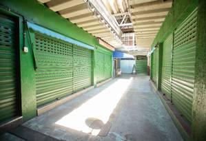 Cerca de 60% das lojas estão fechadas Foto: Brenno Carvalho / Agência O Globo