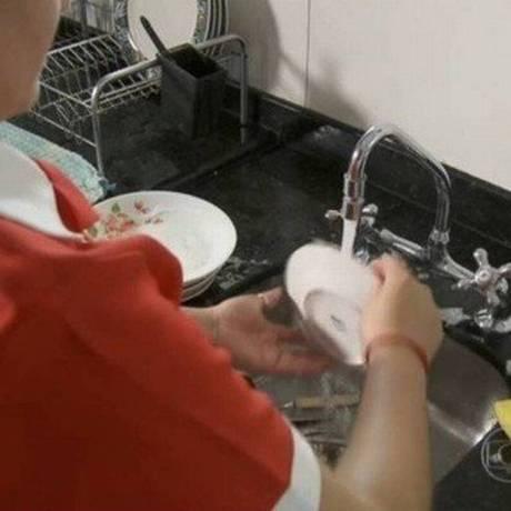 As empregadas domésticas são beneficiadas pelo novo piso Foto: Arquivo