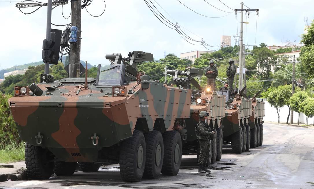 Operação das Forças Armadas e Polícias Civil e Militar na Cidade de Deus Foto: Fabiano Rocha / Agência O Globo