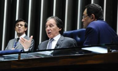 O presidente do Senado, senador Eunício Oliveira (PMDB-CE), durante sessão Foto: Waldemir Barreto/Agência Senado