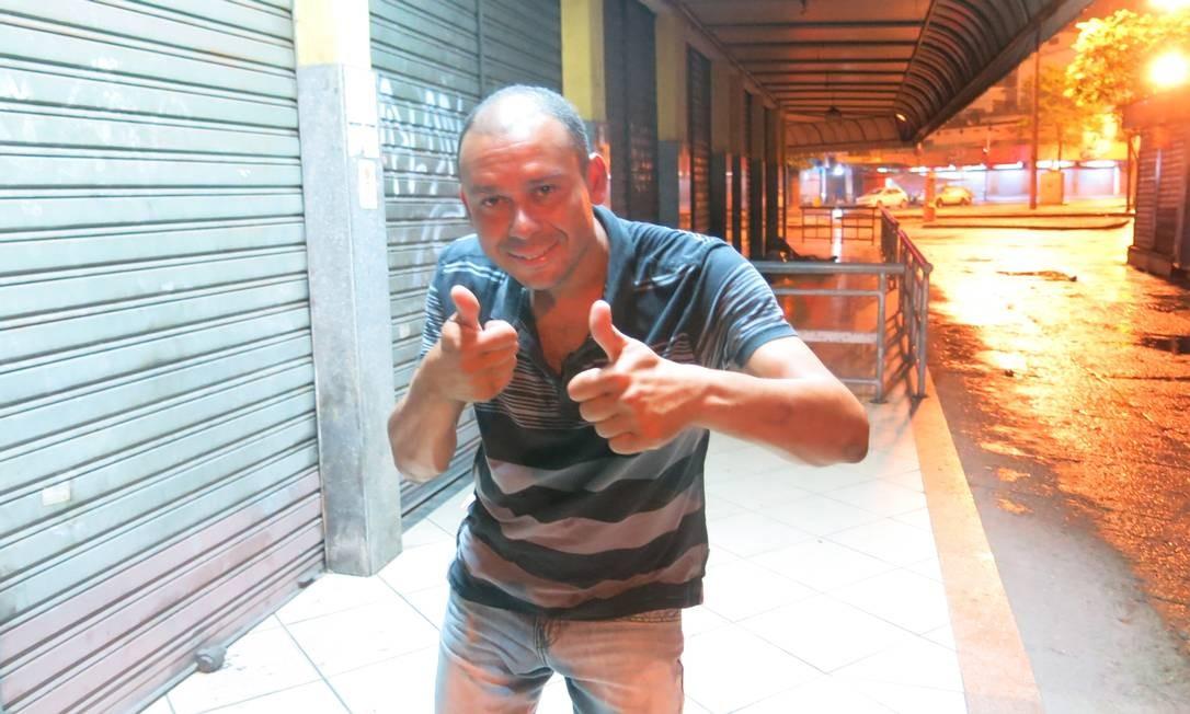 O ex-atacante Valdiram quando foi encontrado nas ruas de Bonsucesso Foto: Rafael Oliveira