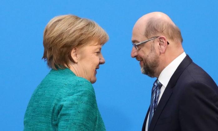 Fumo branco na Alemanha. Merkel e sociais-democratas alcançam acordo