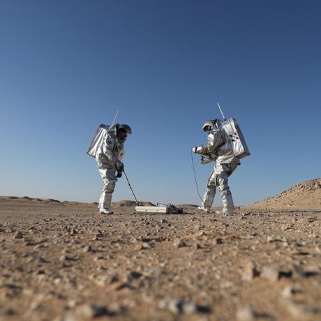 Membros da missão de simulação AMADEE-18 Marte durante simulação no deserto de Dhofar, no Omã. Foto: Acervo