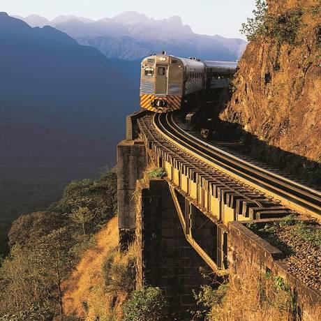 Na montanha: trem turístico entre Curitiba e Morretes, no Paraná, oferece lindas paisagens Divulgação Foto: Divulgação