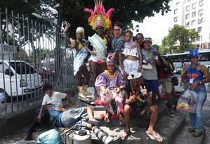 Desfile do Bloco Pop Folia na Central do Brasil, contou com Milton Cunha Foto: Marcio Alves / Agência O Globo