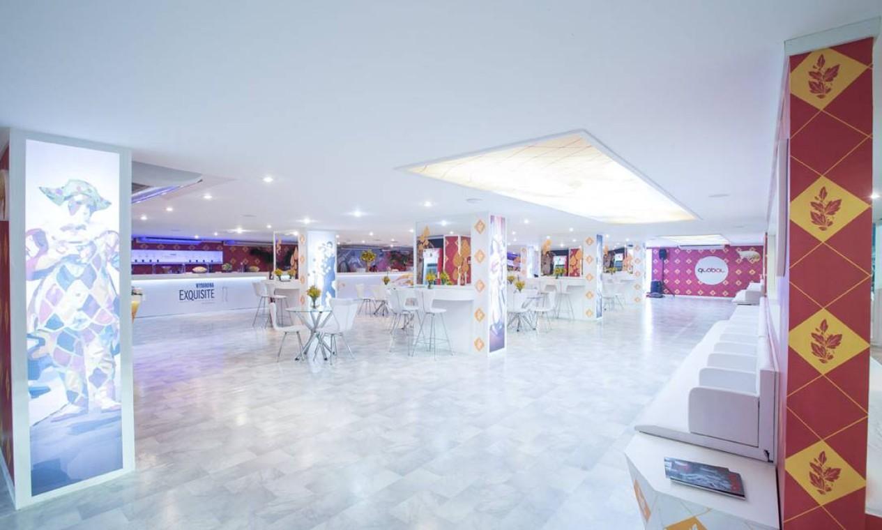 Área interna do camarote da Global Marketing, um dos super-espaços da Sapucaí Foto: Ângelo Bernardelli / Ag.Ponto