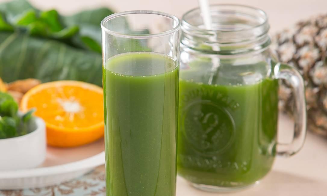 O suco verde que mistura couve verde, abacaxi, limão, suco de laranja natural, gengibre e hortelã é a opção Substância Gastronomia Light (R$ 14,60, 300ml) para se manter hidratado. Visconde de Pirajá 330, Ipanema (2245-3045) e www.substancia.com.br. Foto: Divulgação