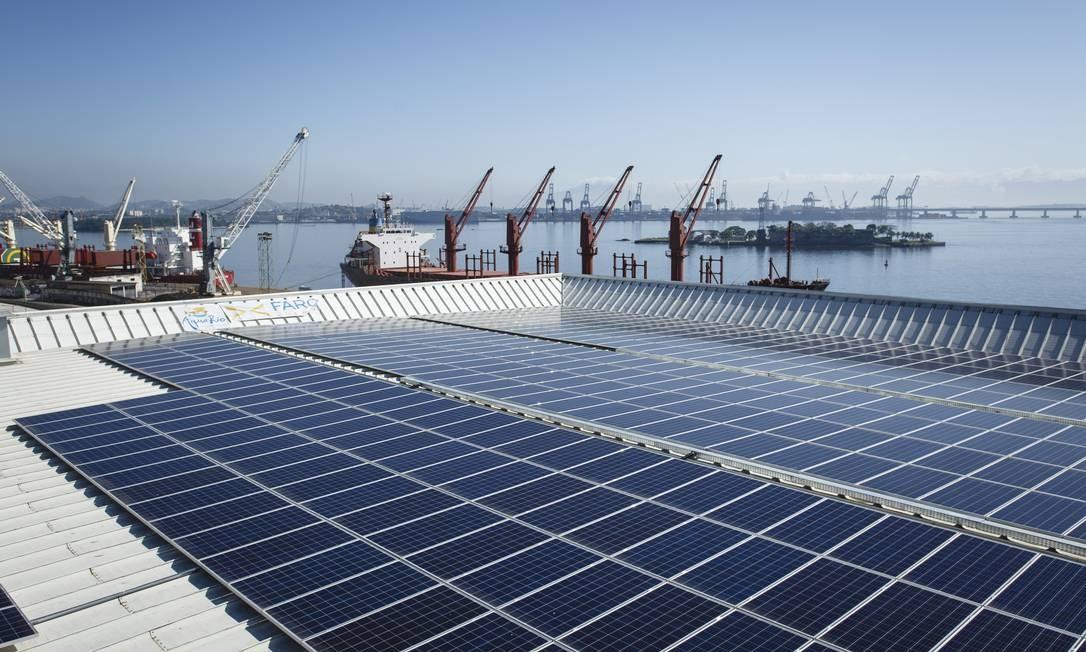 Projeto de energia solar no AquaRio Foto: Fernando Lemos/Agência O Globo/25-05-2017 /