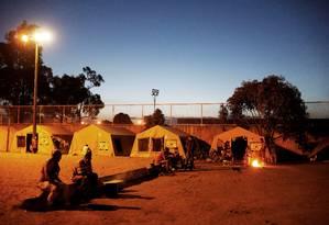 Venezuelanos se concentram em tendas no entorno de ginásio em Boa Vista: situação se agrava e gera ataques xenofóbicos Foto: Nacho Doce / REUTERS/17-11-2017