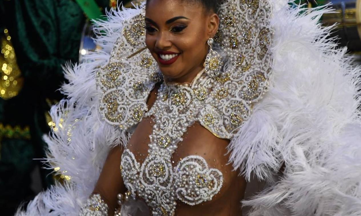 A rainha de bateria da Tom Maior Foto: AFP