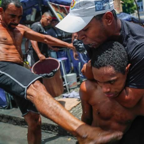 Desordem urbana no Centro da cidade durante o carnaval de rua Foto: Marcelo Regua / Agência O Globo