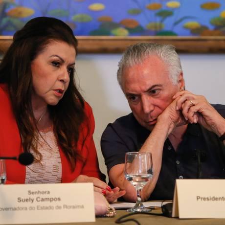 O prresidente Michel Temer conversa com a Governadora de Roraima, Suely Campos Foto: Beto Barata / Agência O Globo