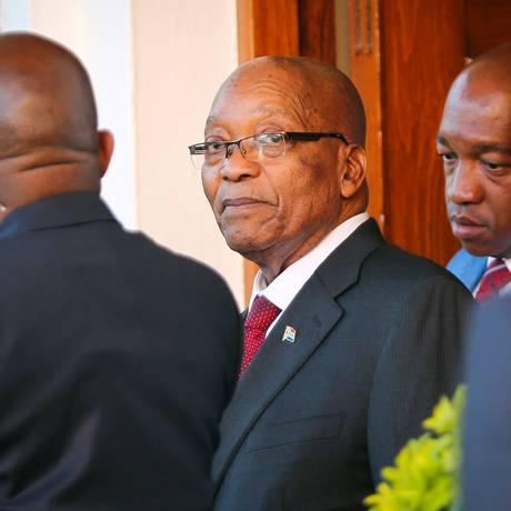 Na mira. Presidente sul-africano, Jacob Zuma, em visita à Cidade do Cabo: anúncia de decisão da cúpula do partido foi dado em pessoa Foto: SUMAYA HISHAM / REUTERS/7-2-2018