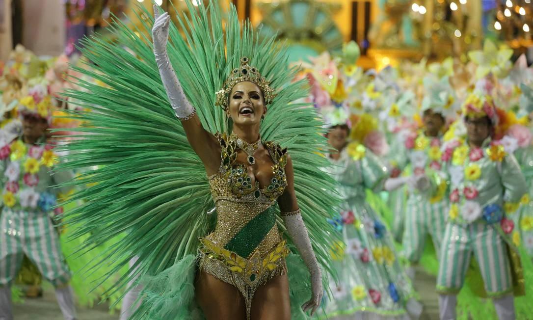 Carla Prata é destaque pela Imperatriz Leopoldinense Márcio Alves / Agência O Globo