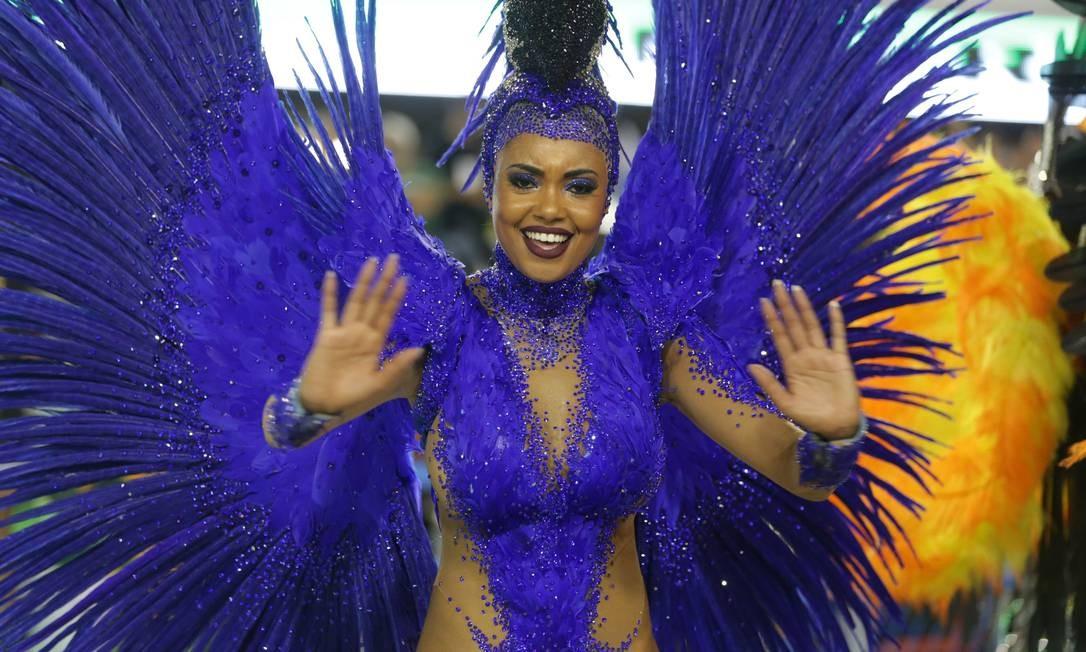 Destaque desfila pela Imperatriz Leopoldinense Márcio Alves / Agência O Globo