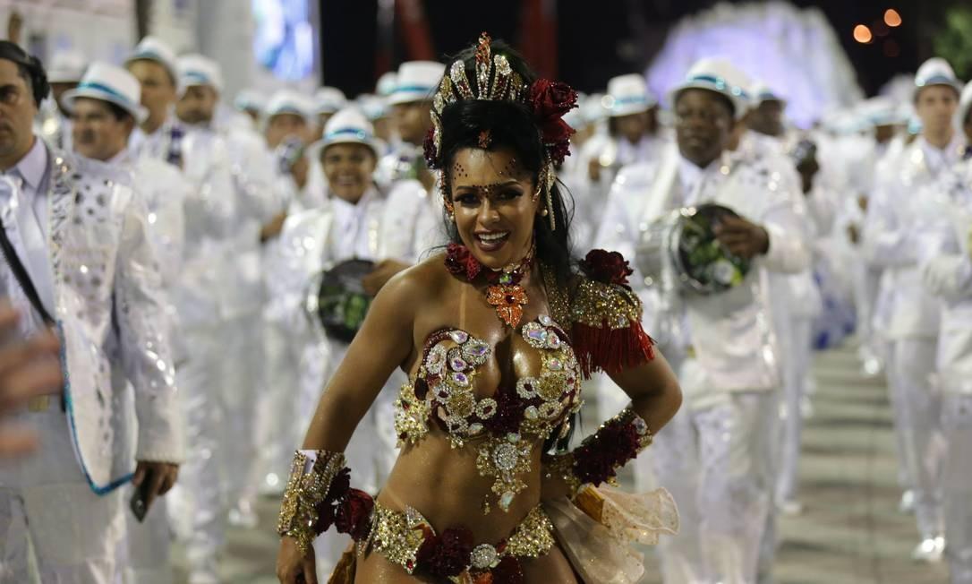 Raíssa Oliveira é rainha de bateria da Beija-Flor Márcio Alves / Agência O Globo