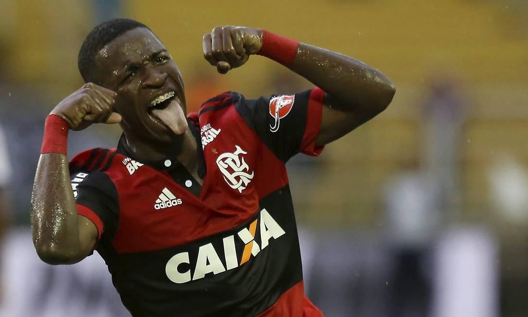 Botafogo confirma que vetou final no Nilton Santos por 'chororô' de Vinicius