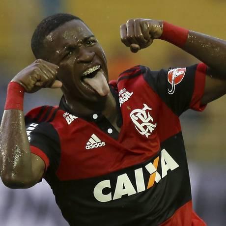 Vinicius Junior fez o gesto do chororô ao marcar sobre o Botafogo Foto: Marcelo Theobald / Agência O Globo