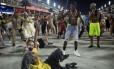 A violência representada, com cenas de assaltos e vítimas de balas perdidas