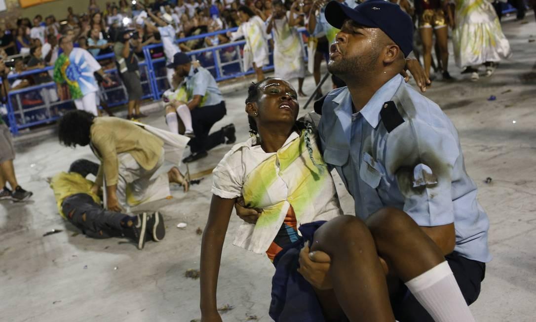 """Violência no país: não faltou tema para representar o """"terror brasileiro"""" Silvia Izquierdo / AP"""