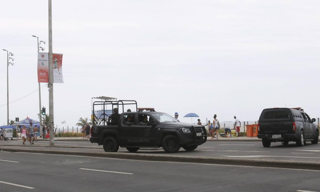 PM reforça patrulhamento na Praia de Ipanema Foto: Reginaldo Pimenta / Agência O Globo
