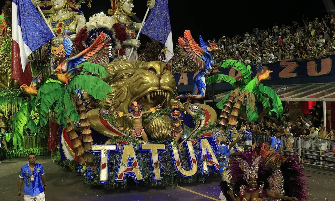 Escola apostou neste ano em um desfile tradicional que aconteceu sem imprevistos Agência O Globo