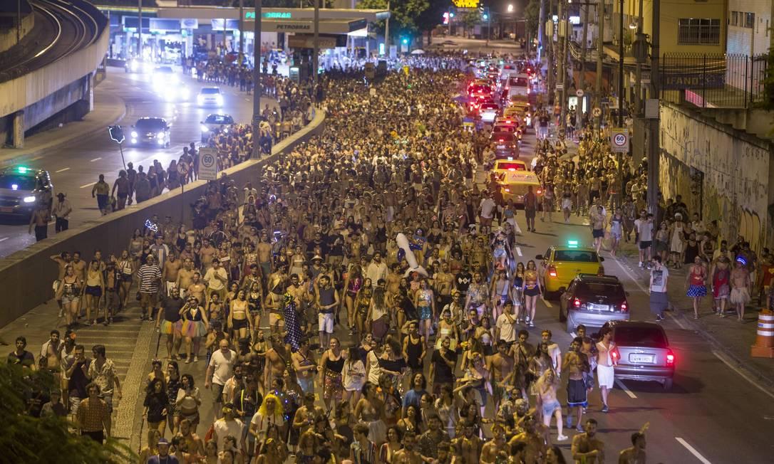 Tecnobloco caminha da Praça da Bandeira até a Quinta da Boa Vista Foto: Alexandre Cassiano / Agência O Globo