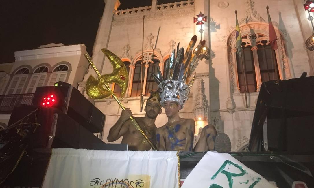 Foliões dançaram ao som de clássicos do pop e do axé Foto: Bárbara Nóbrega