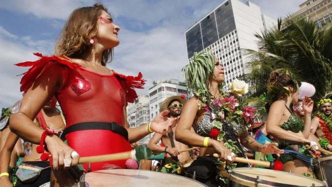 A liberdade é vermelha, prateada, azul, é da cor que a imaginação permitir Foto: Reginaldo Pimenta / Agência O Globo