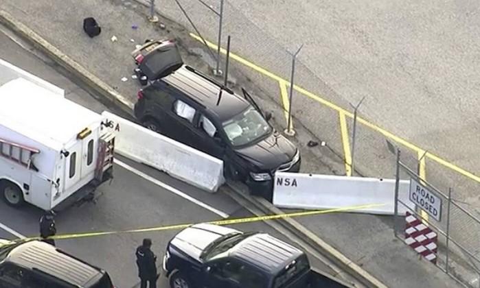 FBI investiga tiroteio em frente à sede da Agência Nacional de Segurança